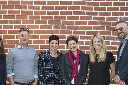 Photo of Janelle Marr, David Doyle, Julianne Goss, Georgie McClean, Rikki Lea Bestall and Ian Booth