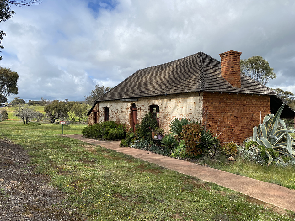 Historical building Mt Pleasant Inn Kitchen and stables in the Shire of West Arthur